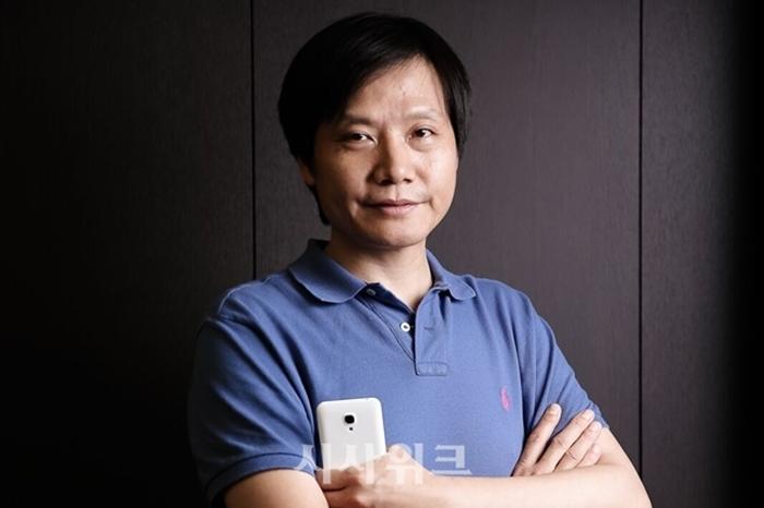레이 쥔 샤오미 회장이 향후 5년 간 AIoT 영역에 최소 100억 위안을 투자할 것이라고 밝혔다. / 샤오미